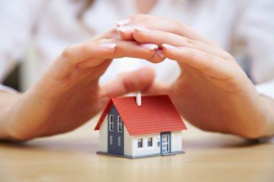 Seguro residencial mantém casa protegida durante viagem de Natal