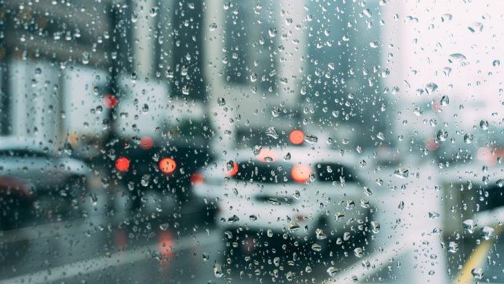 Porto Seguro Auto orienta motoristas para período de fortes chuvas