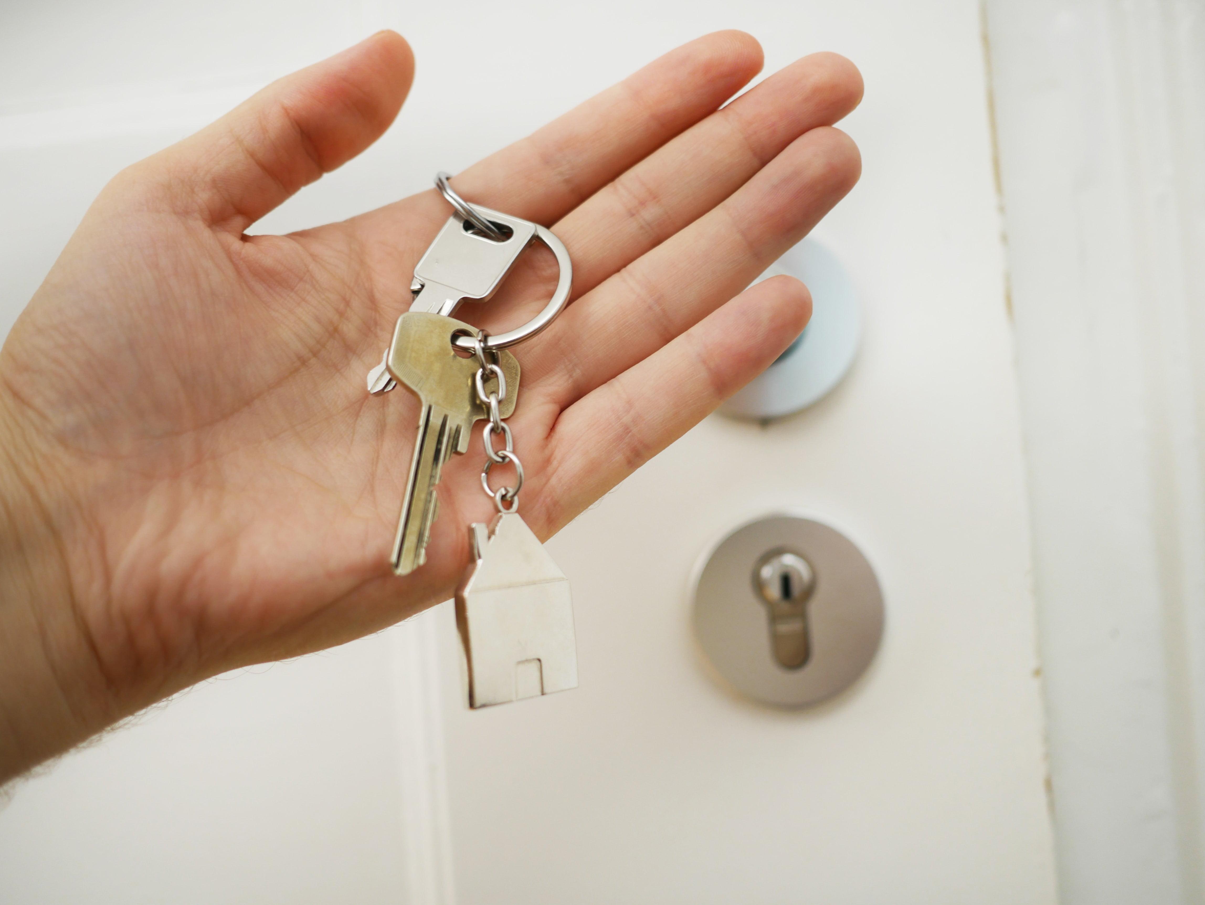Quatro dicas para quem quer começar a investir em imóveis.